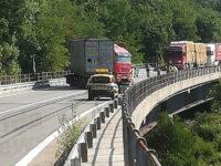Incidente sulla Fondo Valle Sele tra Contursi e Oliveto Citra. Camion sbanda e invade la carreggiata