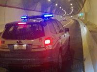 Percorre a piedi l'A2 in galleria a Contursi. 43enne rumena salvata dalla Polstrada