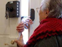 Entra in una casa a Viggiano spacciandosi per postino e deruba l'anziana proprietaria. Denunciato