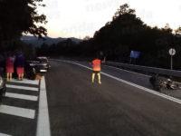 Scontro tra auto e moto lungo la Strada Statale Bussentina. Centauro ferito