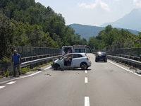 """Incidente sulla Strada """"Bussentina"""". Donna perde il controllo dell'auto e finisce contro il guardrail"""