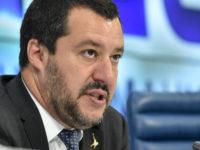 """Immigrato molesta 13enne a Battipaglia. Salvini su Facebook:""""Questi delinquenti saranno subito espulsi"""""""