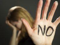 """""""Questo non è amore"""". Codice Rosso, reati spia e violenze, campagna preventiva della Polizia di Salerno"""