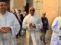 A Vietri di Potenza si insedia il nuovo parroco. La comunità accoglie don Mario Gioia
