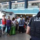 Coppia di Potenza di ritorno dal viaggio di nozze ruba una valigia di gioielli a Fiumicino. Denunciata