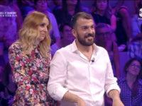 """Francesco Forlenza di Buccino e la moglie vincono al quiz show """"Guess my age"""" di Enrico Papi su TV8"""