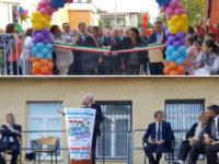 Inaugurazione del nuovo asilo nido di Padula Scalo. Vincenzo De Luca al taglio del nastro