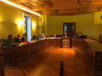 San Pietro al Tanagro: scontro in Consiglio per la cittadinanza onoraria al diplomatico Petruccio