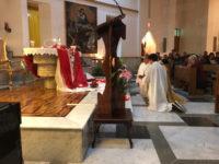 Commozione e partecipazione a Sala Consilina per la messa e la veglia in ricordo di Violeta Senchiu