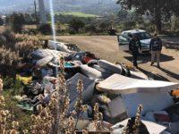 Materiale edile, elettrodomestici e rifiuti abbandonati a Postiglione. Blitz delle Guardie Ambientali