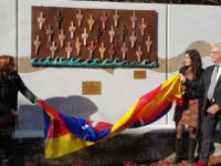 """Inaugurata l'opera """"Donne Spezzate XXVI"""" in ricordo delle vittime nigeriane sbarcate a Salerno"""