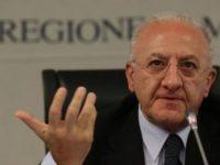 """Scontro sulla Sanità campana. Il Governatore De Luca: """"E' in atto uno squadrismo politico"""""""