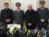 La Guardia di Finanza di Vallo della Lucania dona capi di abbigliamento per i poveri alla Caritas
