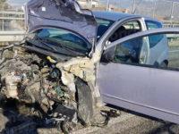Montesano: perde il controllo dell'auto e sbatte contro il guardrail. Ferita 51enne del posto