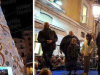 Acceso il grande albero di Natale in Piazza Portanova a Salerno alla presenza di Vincenzo De Luca