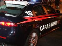 Ladri assaltano una gazzella dei Carabinieri di Battipaglia lanciando un grosso masso sul parabrezza