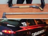 Scoperto con una pistola revolver clandestina ed un'ascia nel pick-up. Arrestato 25enne di Sanza