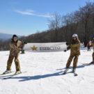 Militari sulla neve in Basilicata per dare informazioni ai giovani sui concorsi dell'Esercito Italiano