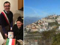 Comunità in festa a Montesano sulla Marcellana per i 100 anni di nonno Nicola Romano