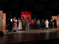 """Teatro in Sala. Tante risate e applausi per lo spettacolo """"Al Gran Cafè Chantant"""""""