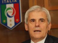 """Insulti ad una guardalinee donna ad Agropoli. Il Presidente AIA Nicchi:""""Inqualificabile"""""""