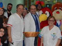 Ospedale Sapri. Pino Pinto Band e SApieNZA Onlus fanno visita ai ricoverati per gli auguri di Pasqua