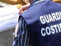 Sequestrate dalla Guardia Costiera 12 casette realizzate abusivamente a Pisciotta. Denunciato 88enne