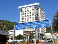 """Entra nell'ospedale """"Ruggi"""" a Salerno e deruba una paziente allettata. Colta sul fatto e arrestata"""