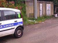 Abbandona rifiuti in località Maltempo a Polla. Responsabile individuato e multato per circa 600 euro