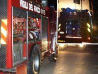 Incendio nella notte in un'abitazione a Casalbuono. Si ustiona il proprietario