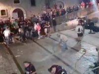 San Gregorio Magno: con l'idrante tra i visitatori di Baccanalia. Il video integrale dell'accaduto