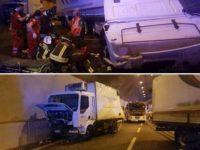 Violento scontro tra Tir in galleria sull'A2 a Sicignano. Feriti i conducenti