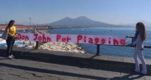 """""""Don John per Piaggine"""". A Napoli spunta uno striscione in sostegno della protesta dei fedeli piagginesi"""