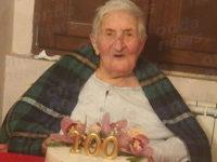 Teggiano: Filomena Di Lucia spegne 100 candeline circondata dall'affetto della sua famiglia