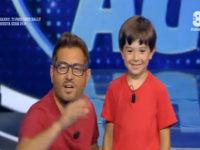 """Luca Morello, talento originario di Teggiano, protagonista di """"Guess my age"""" condotto da Enrico Papi"""