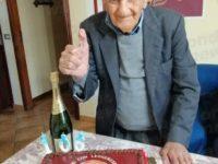 Nonno Felice Magliano spegne 106 candeline a San Giovanni a Piro. E' tra i più longevi del Sud