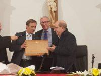"""""""Diffondere l'amore"""", il messaggio del teologo Olivero all'evento promosso dalla Banca Monte Pruno"""