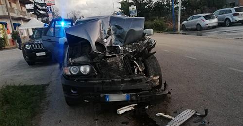 Sala Consilina: violento scontro tra un'auto e un furgone sulla Statale 19 - ondanews