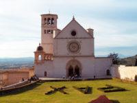 """Da Assisi la benedizione della """"Basilicata in Marcia per la Cultura"""" e il plauso al Presidente Bardi"""