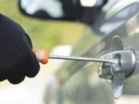 Oliveto Citra:parcheggia auto vicino all'ospedale per far visita a un parente morto,ma i ladri la rubano