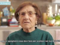 """Nonna Rosetta di Casa Surace dispensa """"consigli per svoltare e fare soldi"""" in un video targato """"theShow"""""""