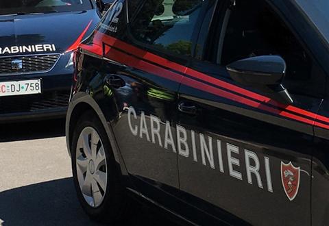 Aggredisce i Carabinieri con un bastone di legno mentre è ai domiciliari. 82enne arrestato a Montano Antilia