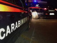 Irrompe in casa, aggredendo fidanzata e ragazzo. Carabinieri evitano tragedia e arrestano uomo a Pignola