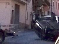 Pauroso incidente a Sala Consilina, auto finisce capovolta. Ferito 34enne di San Pietro al Tanagro