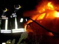 Paura sulla Cilentana, auto prende fuoco nei pressi di Perito