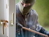 Raid di furti in abitazioni di Montesano. Portati via attrezzi e un furgone