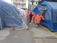 Emergenza Coronavirus. Allestita all'ospedale di Polla una terza tenda per il pre-triage dai volontari ANPAS