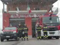 Sala Consilina: vigili del fuoco sotto la neve e il suono delle sirene per un ultimo saluto a Luigi Morello