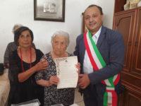 Cilento terra di centenari. Zia Sofia D'Isabella compie un secolo di vita a Palinuro