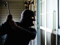 Teggiano: tentano furto mentre la proprietaria è in casa. Rubato oro in un'altra abitazione